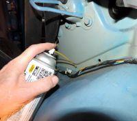 Мовиль: пороги и двери автомобиля – без коррозии