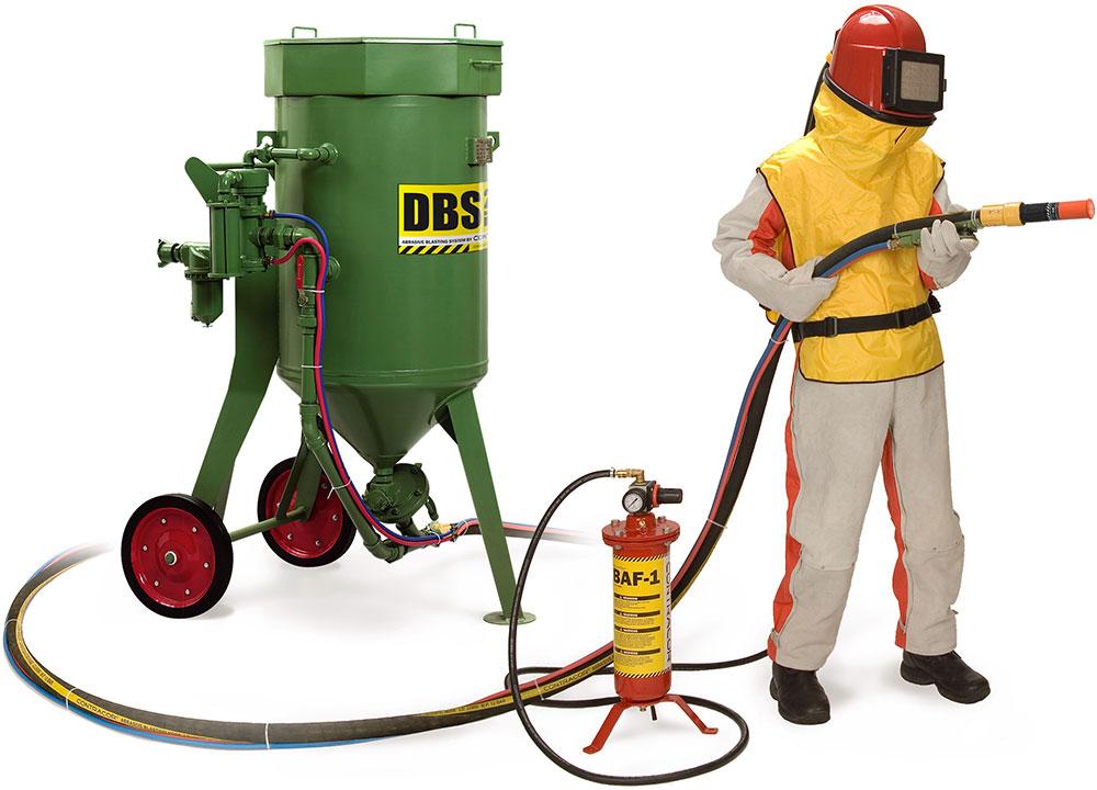 Работа с пескоструйным аппаратом требует соблюдения требований безопасности и охраны труда