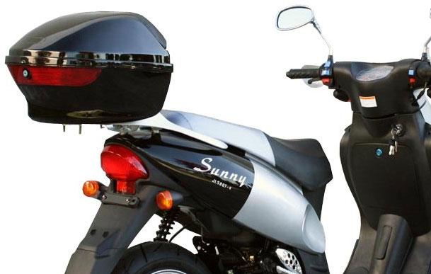 Кофр - удобное, стильное и недорогое средство для перевозки багажа на скутере