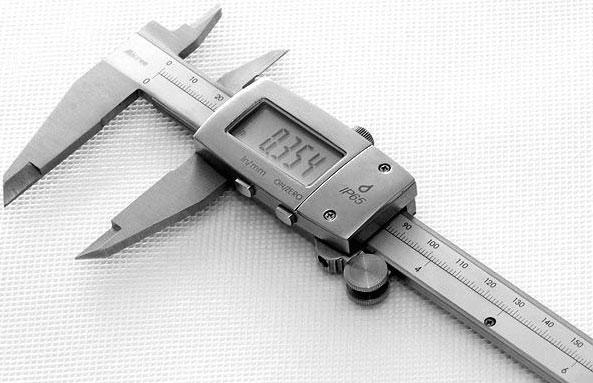 Электронный (цифровой) штангенциркуль